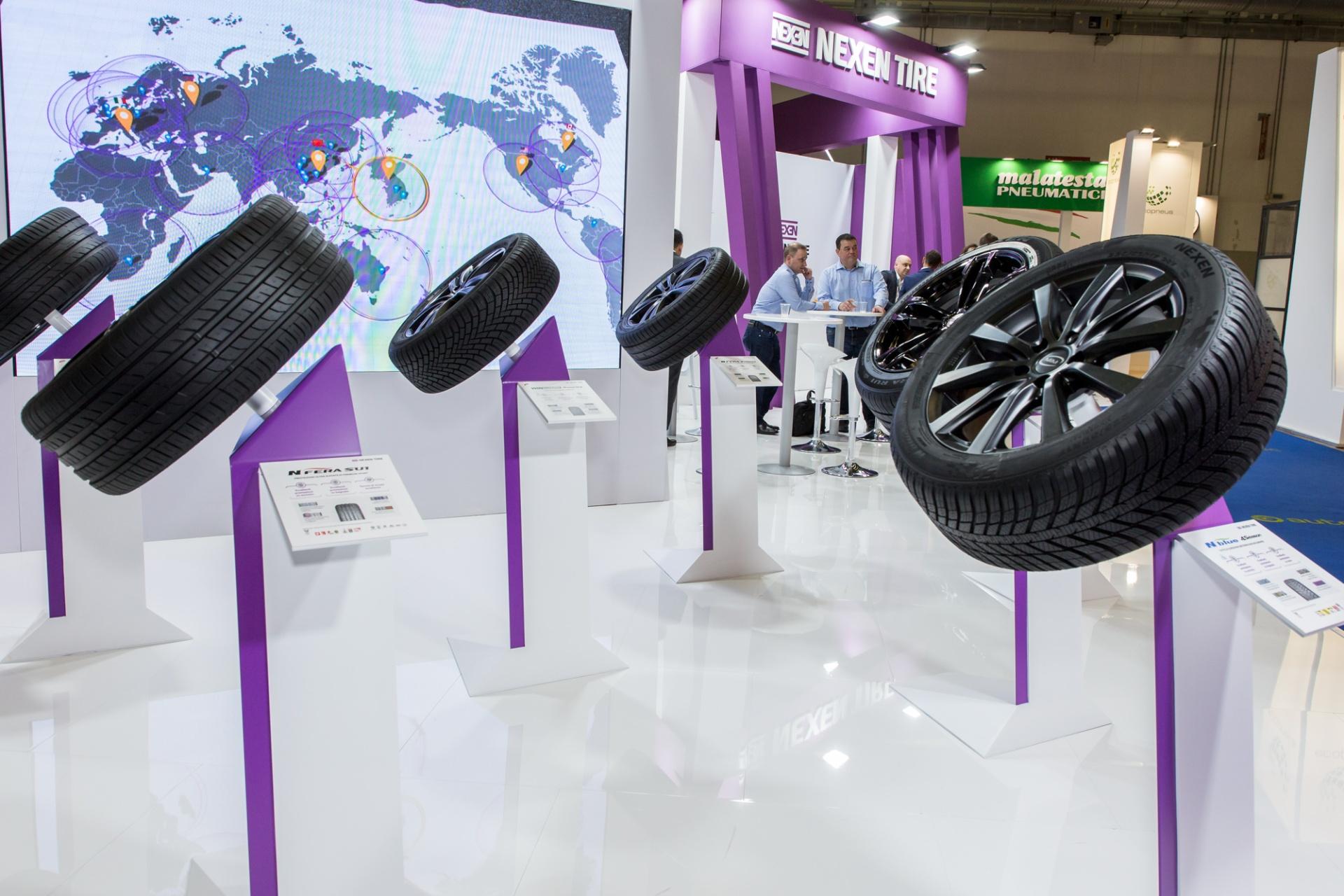 Nexen Tire - Autopromotec, Servizio Fotografico Aziendale | Reportage Evento Aziendale | Servizio Fotografico alla Nexen Tire realizzato presso la Fiera di Bologna durante la Fiera Internazionale Autopromotec