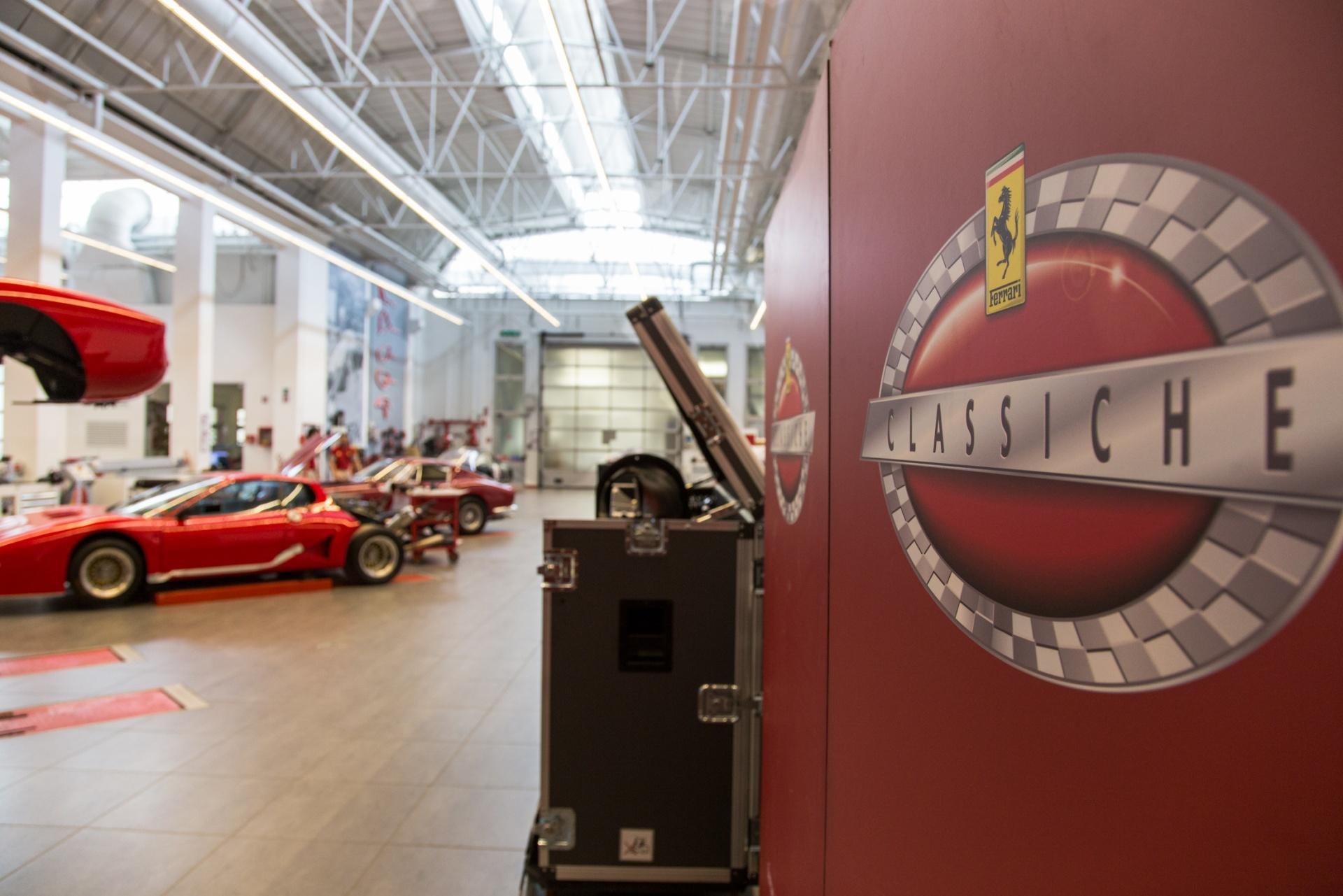 Ferrari Classiche, Servizio fotografico del Reparto Ferrari Classiche | Servizio fotografico aziendale per rappresentare l'immagine aziendale attraverso uno racconto di immagini ambientate, dettagli della