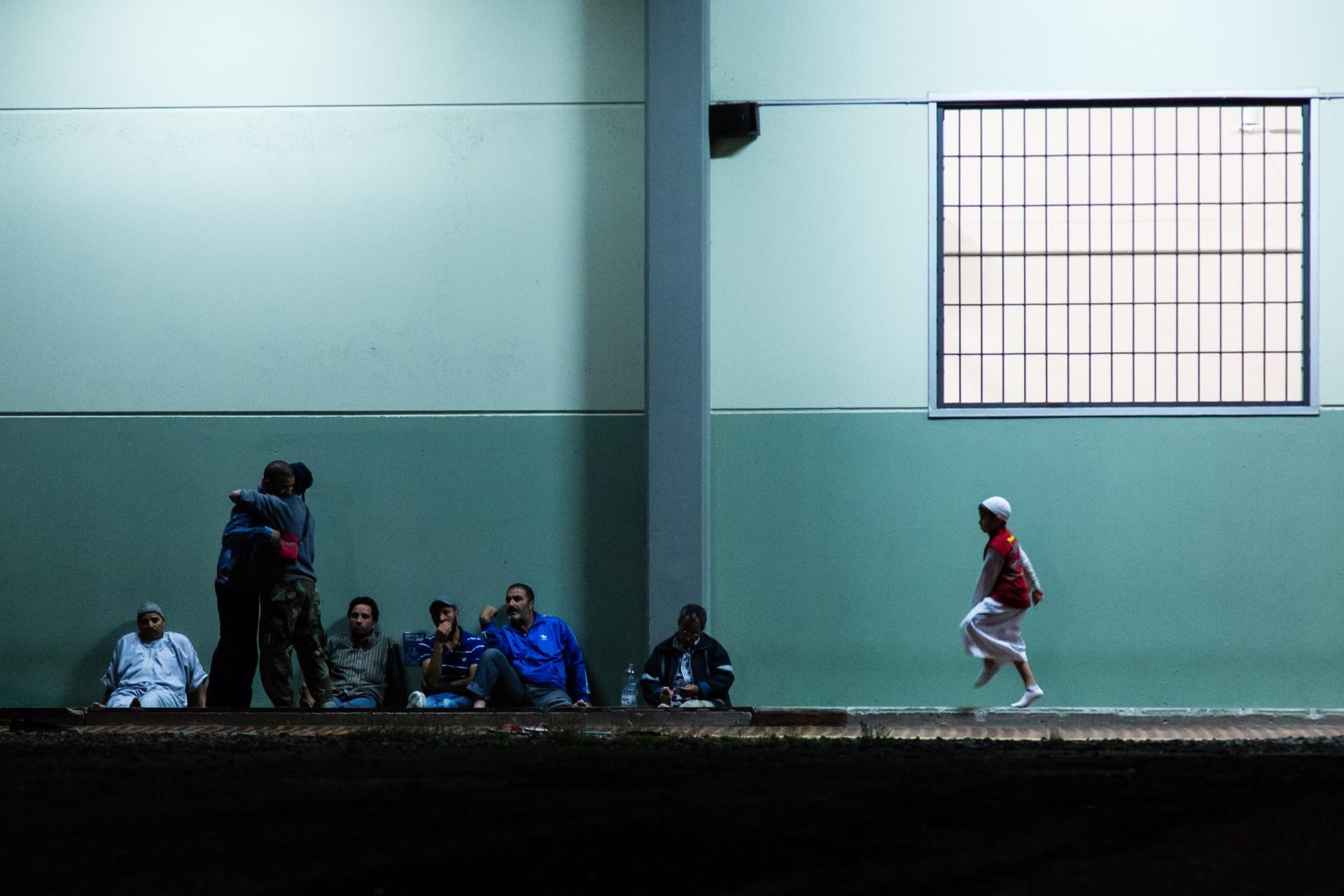 La Comunità Musulmana a Bologna, Progetto fotografico sulla Comunità Musulmana a Bologna per avvicinarsi alla cultura e alla religione musulmana attraverso un percorso che ci porta a osservare alcuni momenti della