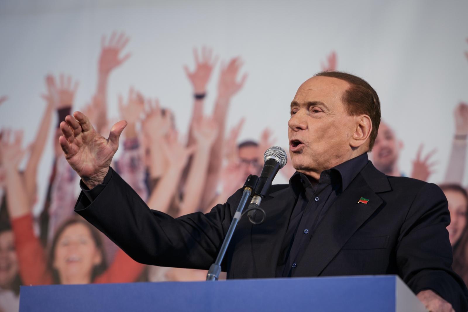 Silvio Berlusconi - Bologna 08/11/2015 Manifestazione Lega Nord Liberiamoci e ripartiamo!  Nella Foto: Silvio Berlusconi Presidente di Forza Italia Foto Copyright Andrea Brintazzoli
